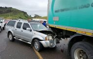 6 Injured in crash near Richmond Road offramp