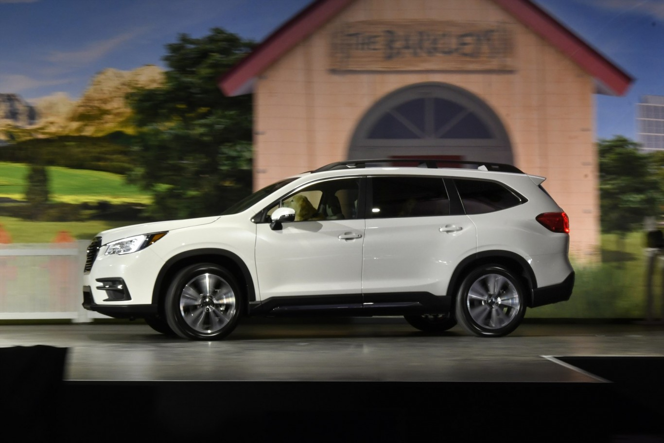 Subaru debuts all-new Ascent 3-Row SUV