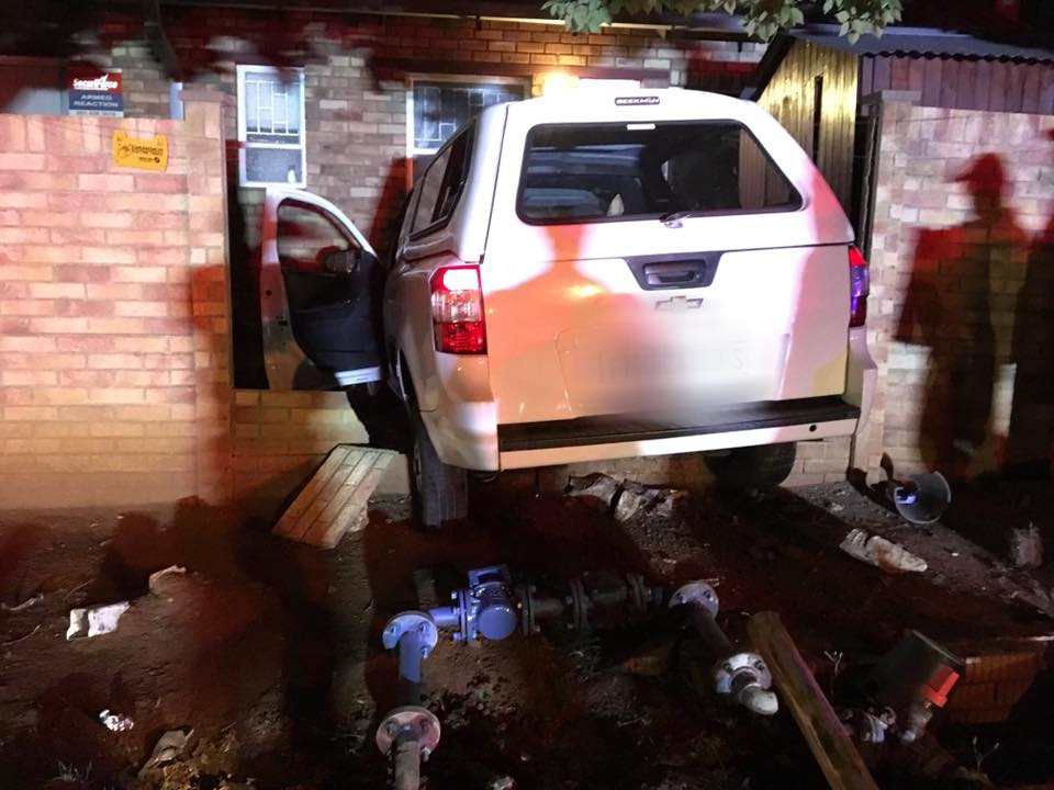 Driver drives through a townhouse complex fence in Eugene Marais Street, Bloemfontein