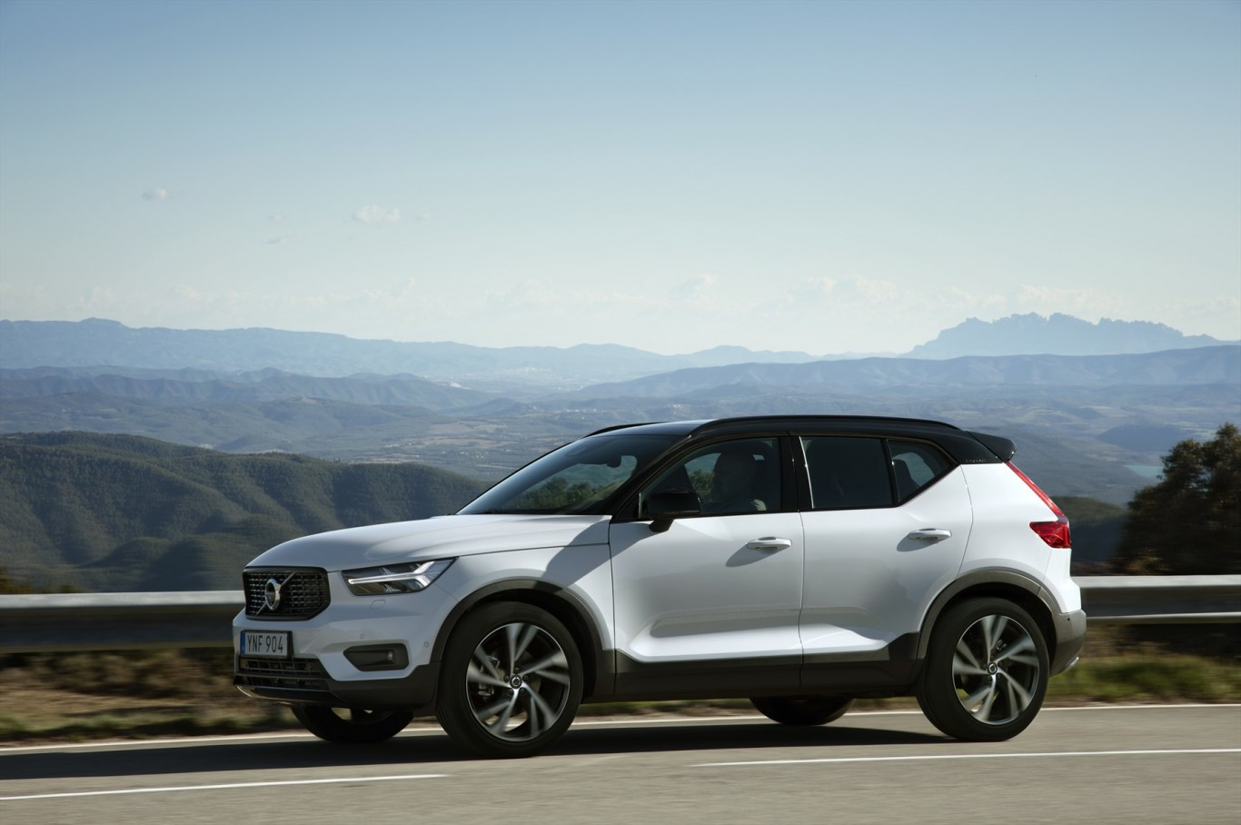 New Volvo XC40 en route to South Africa; pricing announced