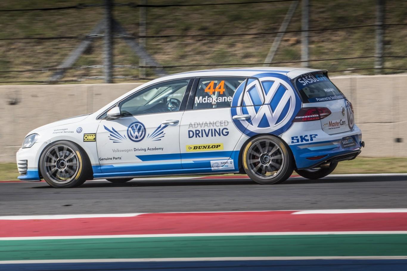 Volkswagen Motorsport turns the table to dominate at Kyalami in Sasol GTC series