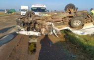 Head-on collision on the road R59 about 20 km from Viljoenskroon to Bothaville.