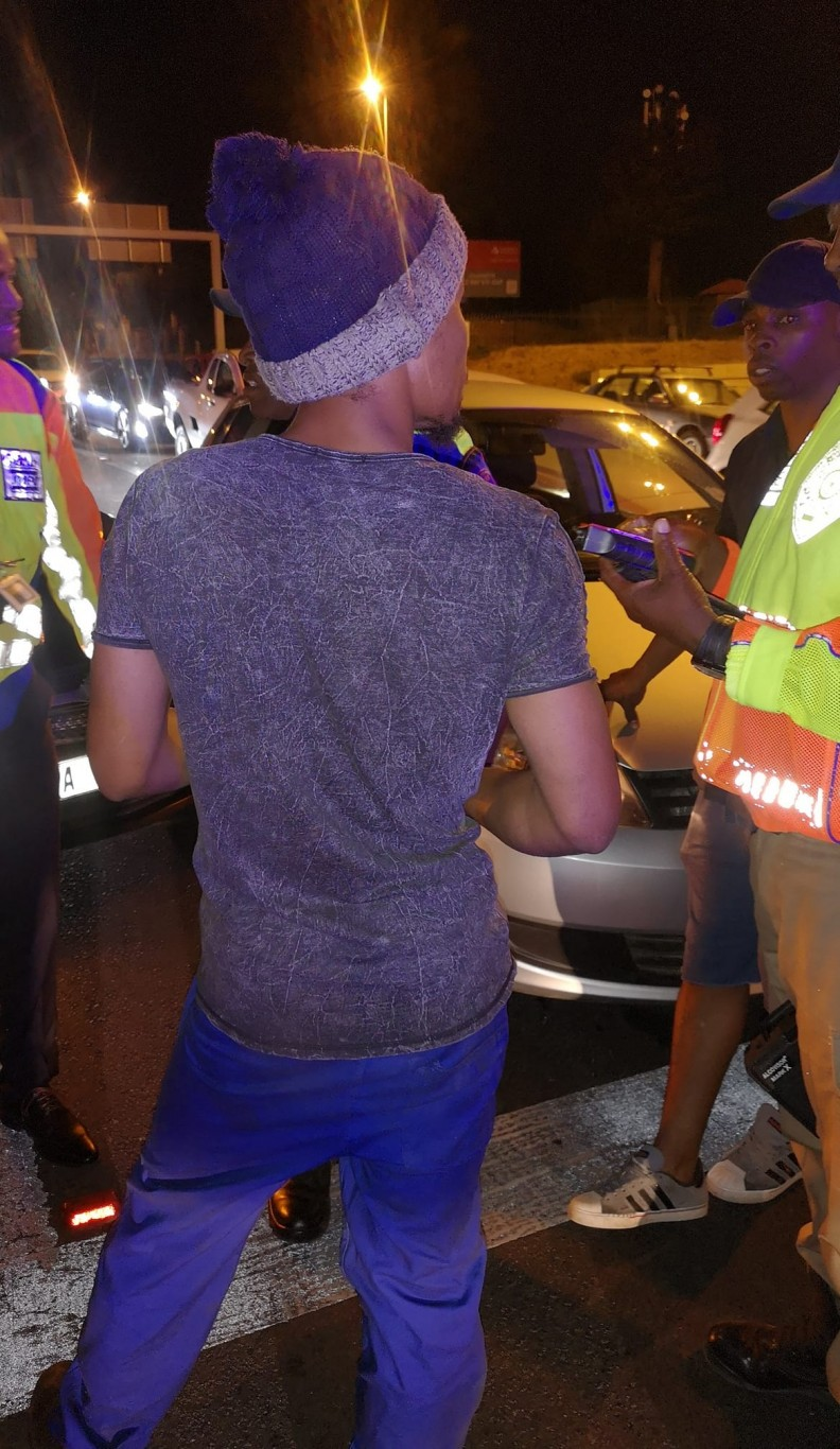 Reportedly unlicenced and drunk driver involved in 3-vehicle crash on William Nicol