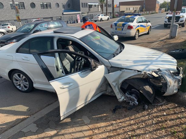 Driver escapes injury following a crash in Edenvale