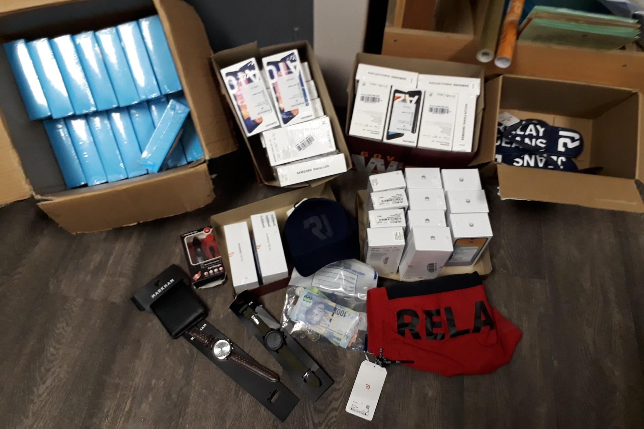 Swift arrest of business robbery suspects