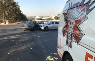 Minor injuries after road crash at intersection in Modderfontein