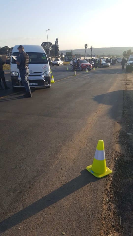 Police arrest over one hundred suspects and seize three firearms during roadblocks in Fourways