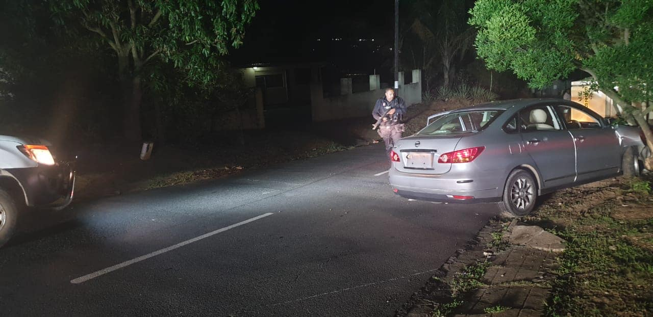 Reaction officer shot with an AK47 in Verulam