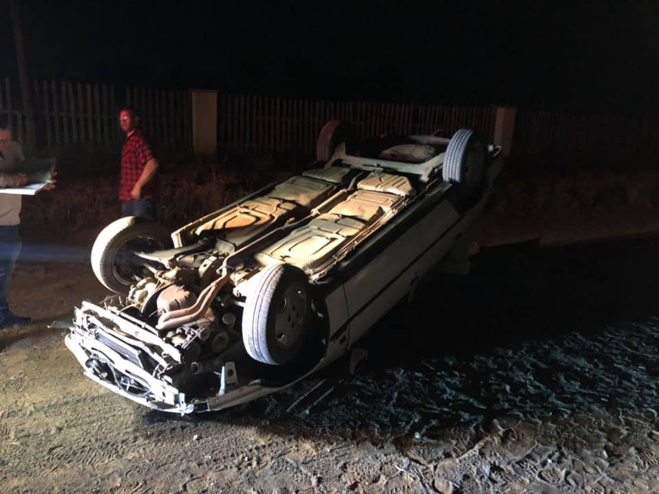 Driver escapes without serious injury after vehicle rolls on gravel road in Bainsvlei, Bloemfontein