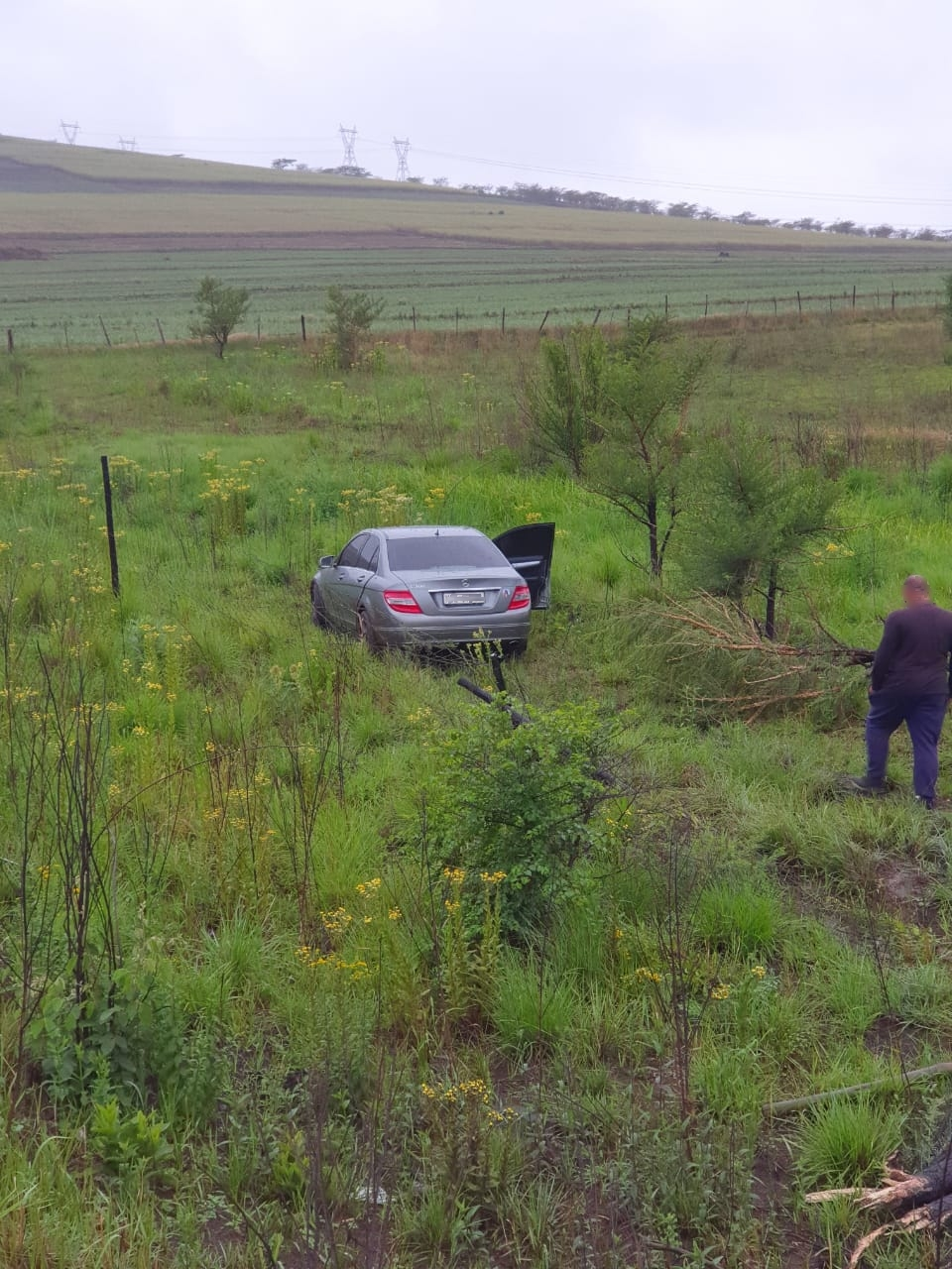 KwaZulu-Natal: Two injured after vehicle leaves road in the direction of New Hanover in Pietermaritzburg.
