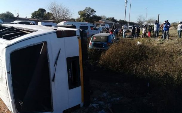 Several injured in taxi crash in Ivory Park