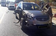 Fortunate escape from injury in road crash in Bedfordview