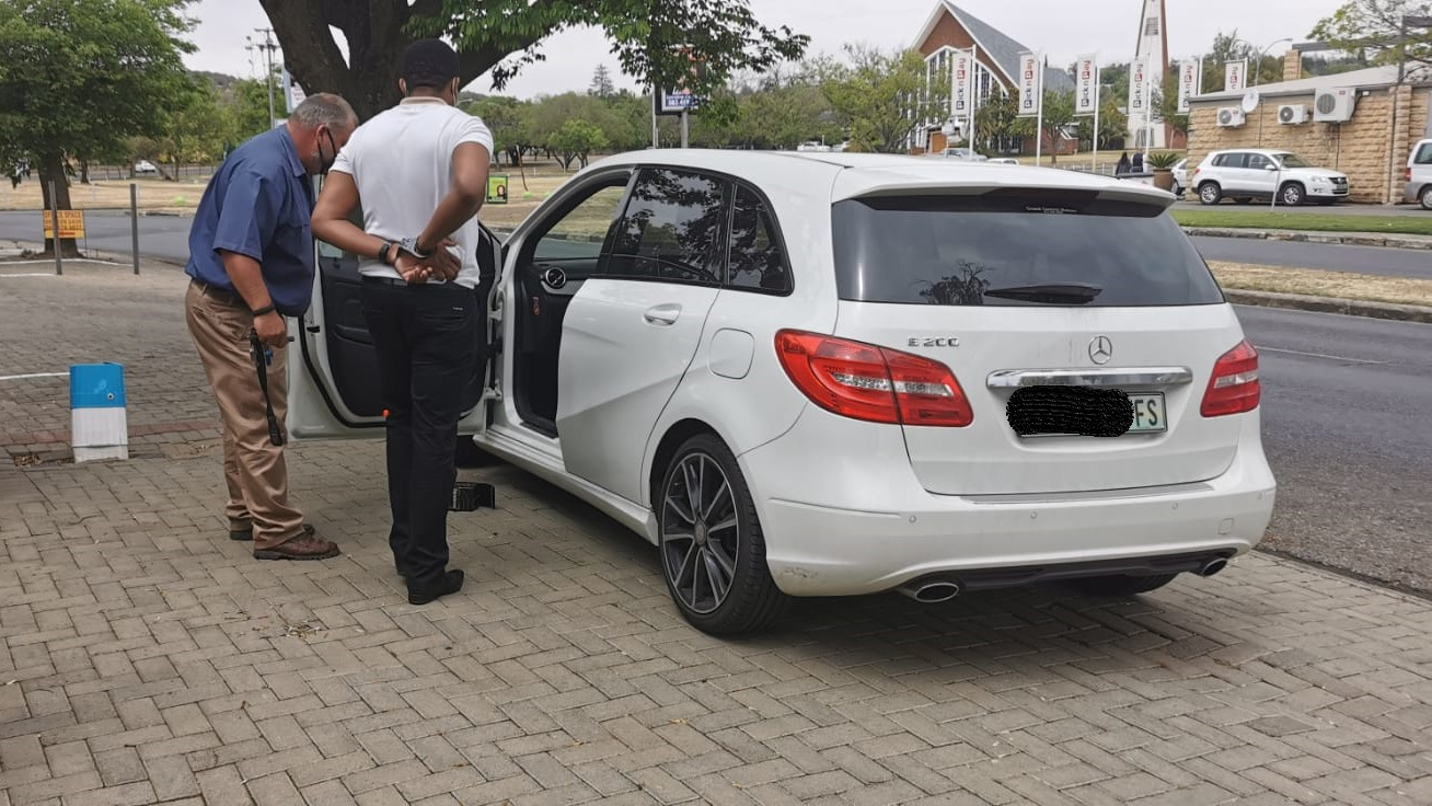 SARS official arrested for corruption and extortion in Bloemfontein