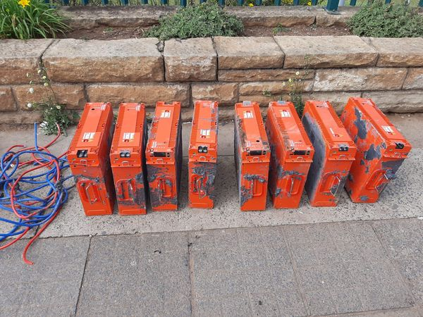 Thieves nabbed while transporting stolen cellphone tower batteries