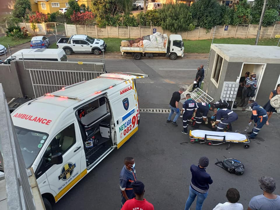Durban: Security guard injured after driver knocks over concrete pillar.